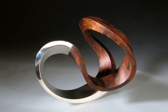'Möbius V' van Jan van Nouhuys, een zogenoemde möbiusband (2010).