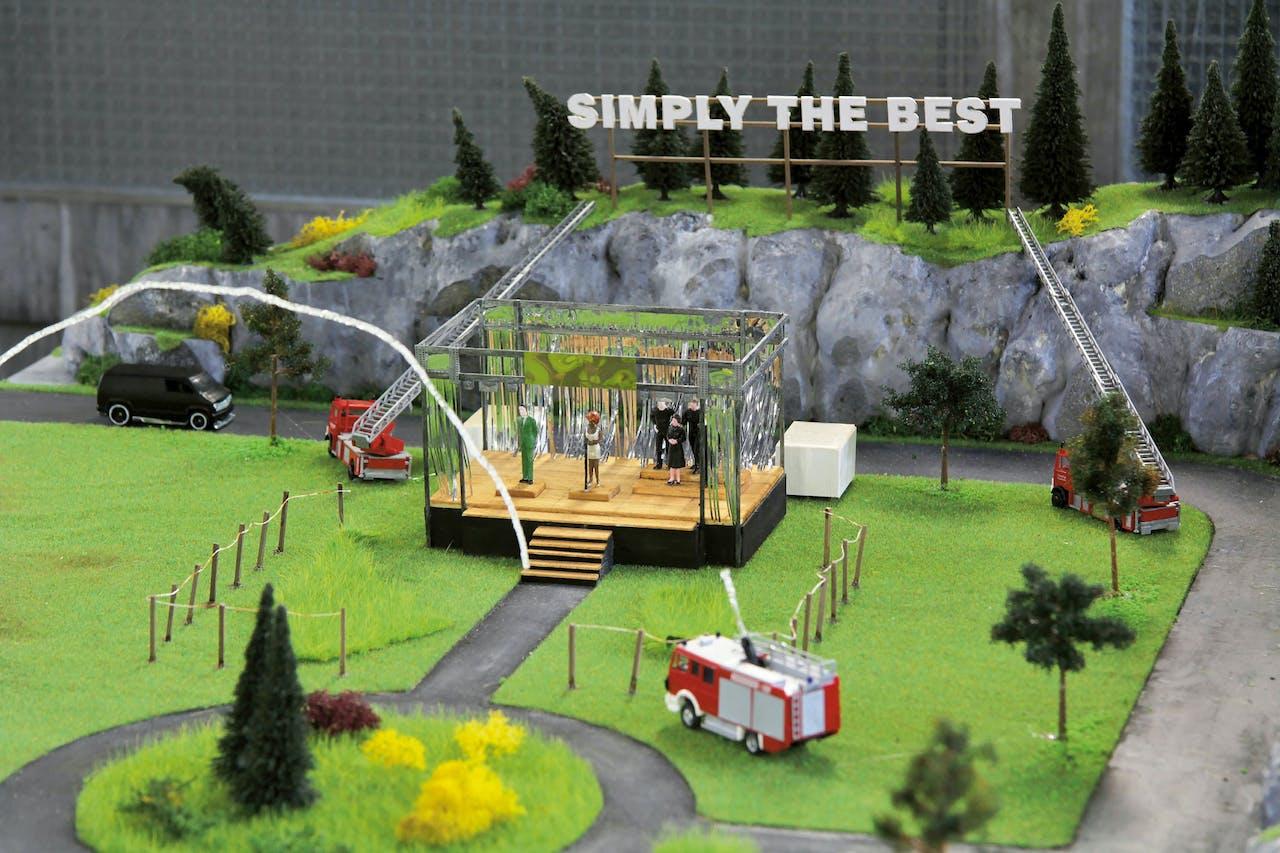 Deze maquette van een concert van Tina Turner speelt een rol in 'Simply the Best' van Carles Congost. Zijn 'gastheer' was de brandweer van Zürich.
