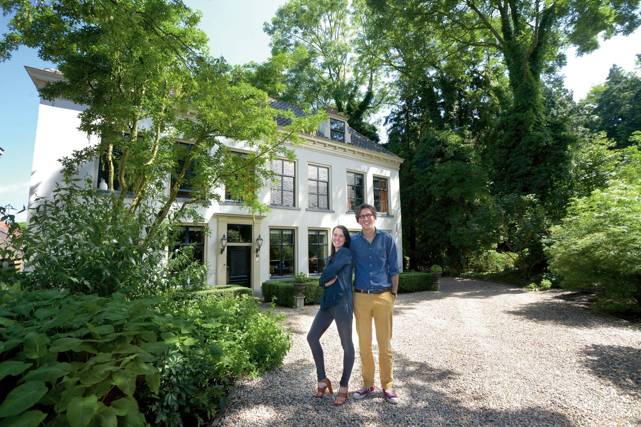 Kleurrijke Deense Villa : Statige villa in een parkachtige tuin het financieele dagblad