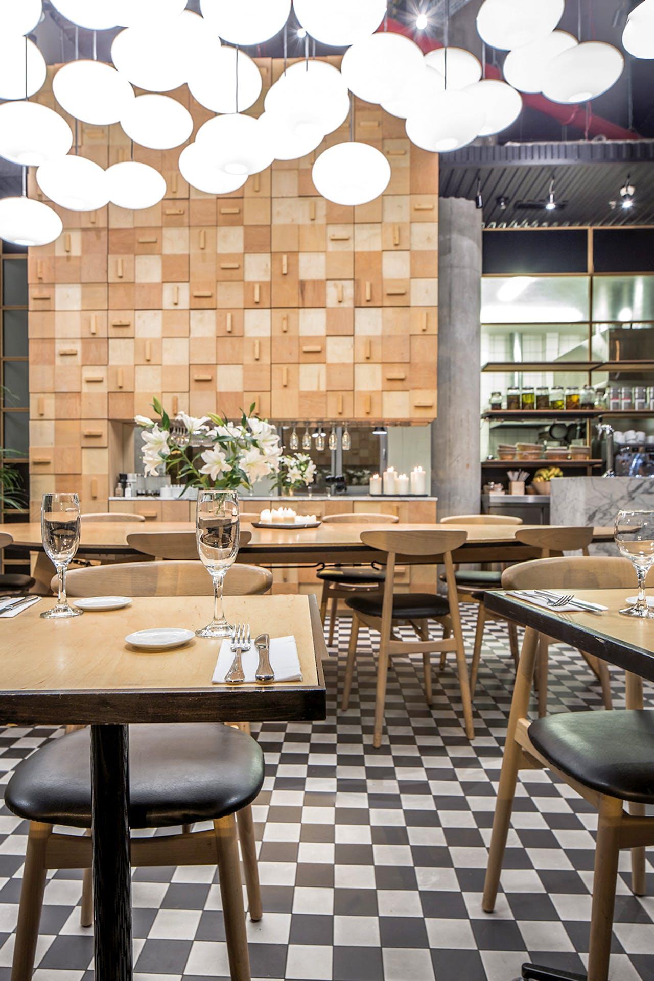 Bij Di Café Deli kunt u de hele dag door ontbijten.