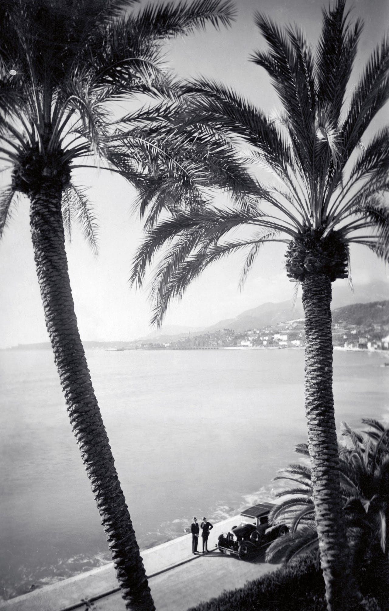De kust bij Menton, Côte d'Azur, 1934.
