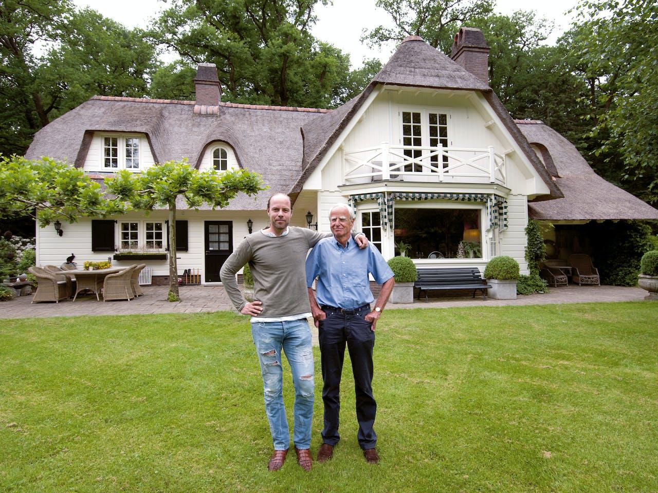 Vader Gijs (74) en zoon Maarten (42) Beucker Andreae: 'Hier ouwe, hier is je sleutel terug.'