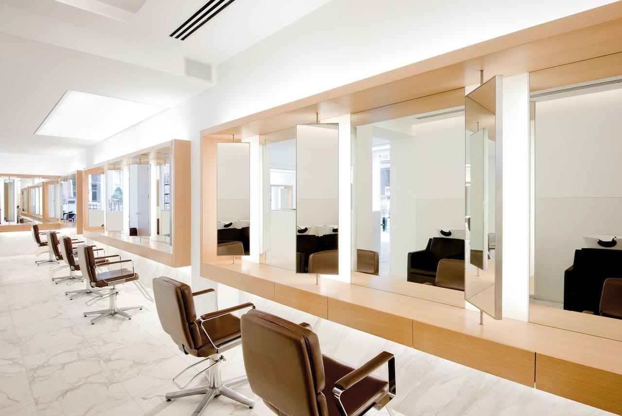De John Frieda-salon in Londen, waar Nicola Clarke werkt als ze niet de wereld over reist.