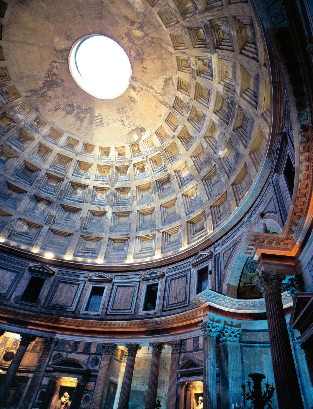 Het doorkijkje naar de hemel in het Pantheon. (Foto: HH)