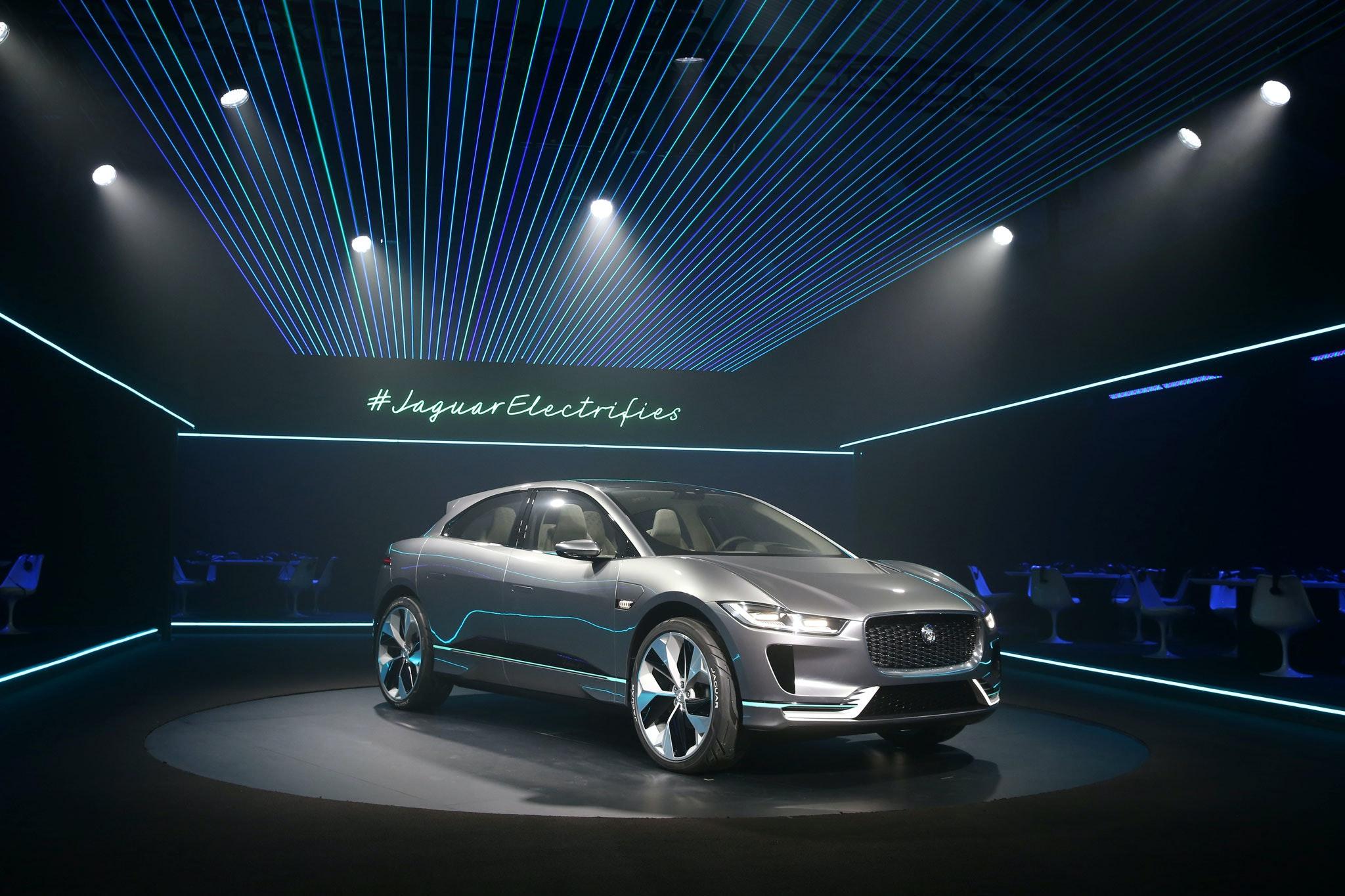 Foto Jaguar Presenteert Nieuwe Elektrische Suv Het Financieele