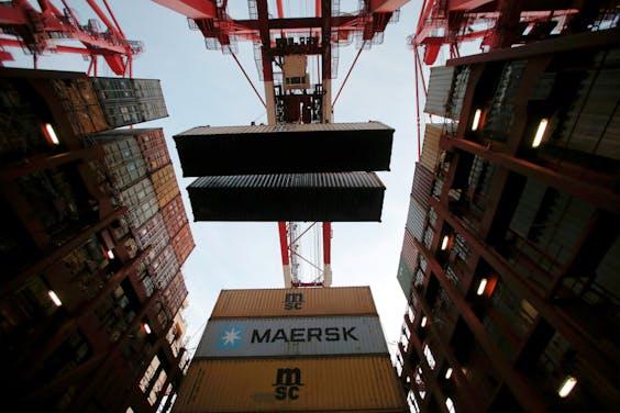 Maersk, de grootste containerrederij ter wereld, wil volgend jaar zeecontainervervoer verzekeren via blockchaintechnologie.