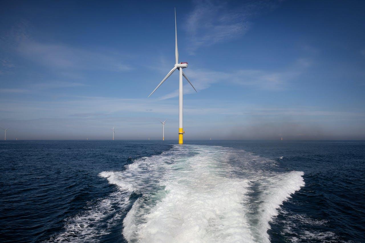 Met een tiphoogte van 200 meter zijn het stalen wolkenkrabbers op zee die in Borssele 1+2 verrijzen.
