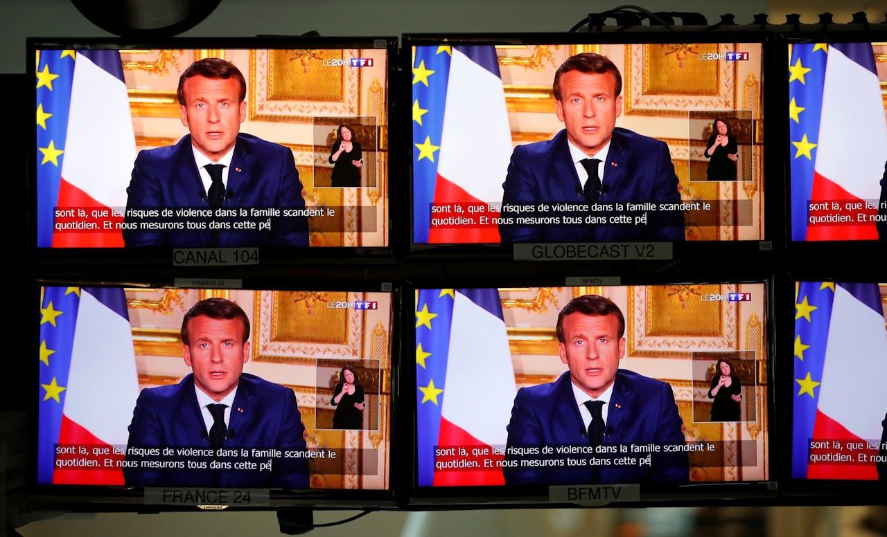 De Franse president Macron sprak vorige week maandag de Fransen toe via de tv.