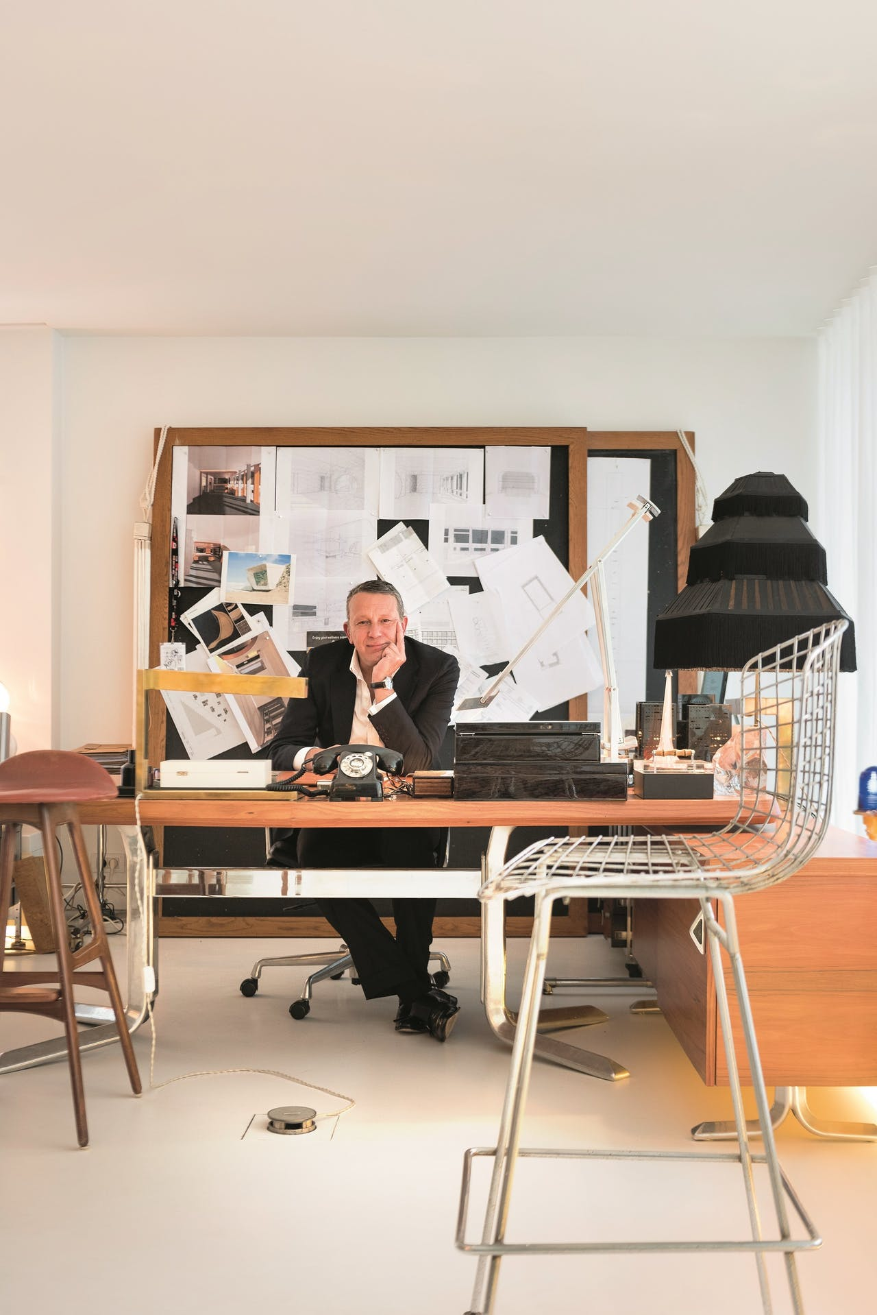 Het bureau dat Arts verwierf stond in de jaren vijftig in een kantoor van Lloyds Banking Group