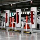 Tesla boekt ruim een miljard dollar winst