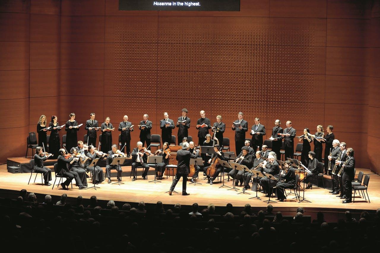 Collegium Vocale Gent voert Bachs 'Hohe Messe' uit op het Opening Nights Festival in de Alice Tully Hall in New York (2009).