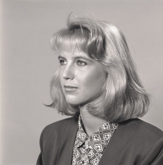 Een keurig imago als assistent van Ron Brandsteder. Foto van werkgever omroep Tros uit 1988.