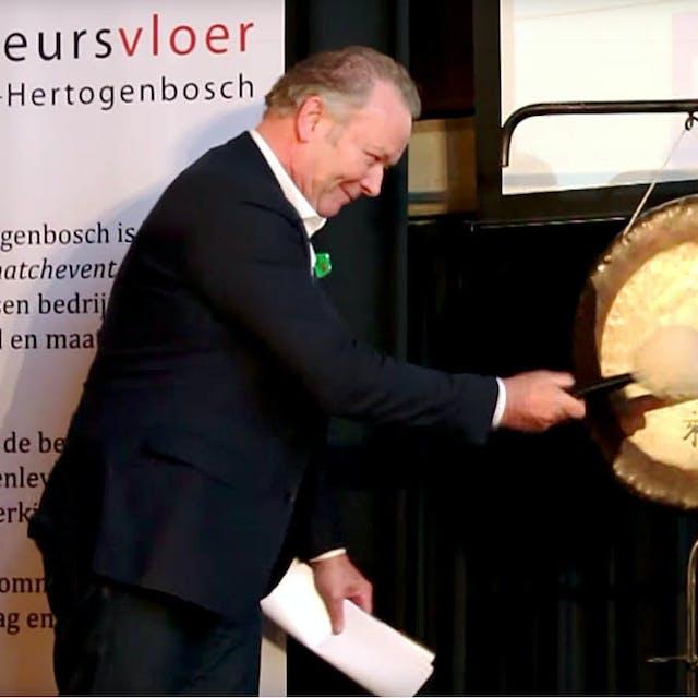 Euronext ruziet met goede doelen-beurs over gebruik van gongslag - Het Financieele Dagblad
