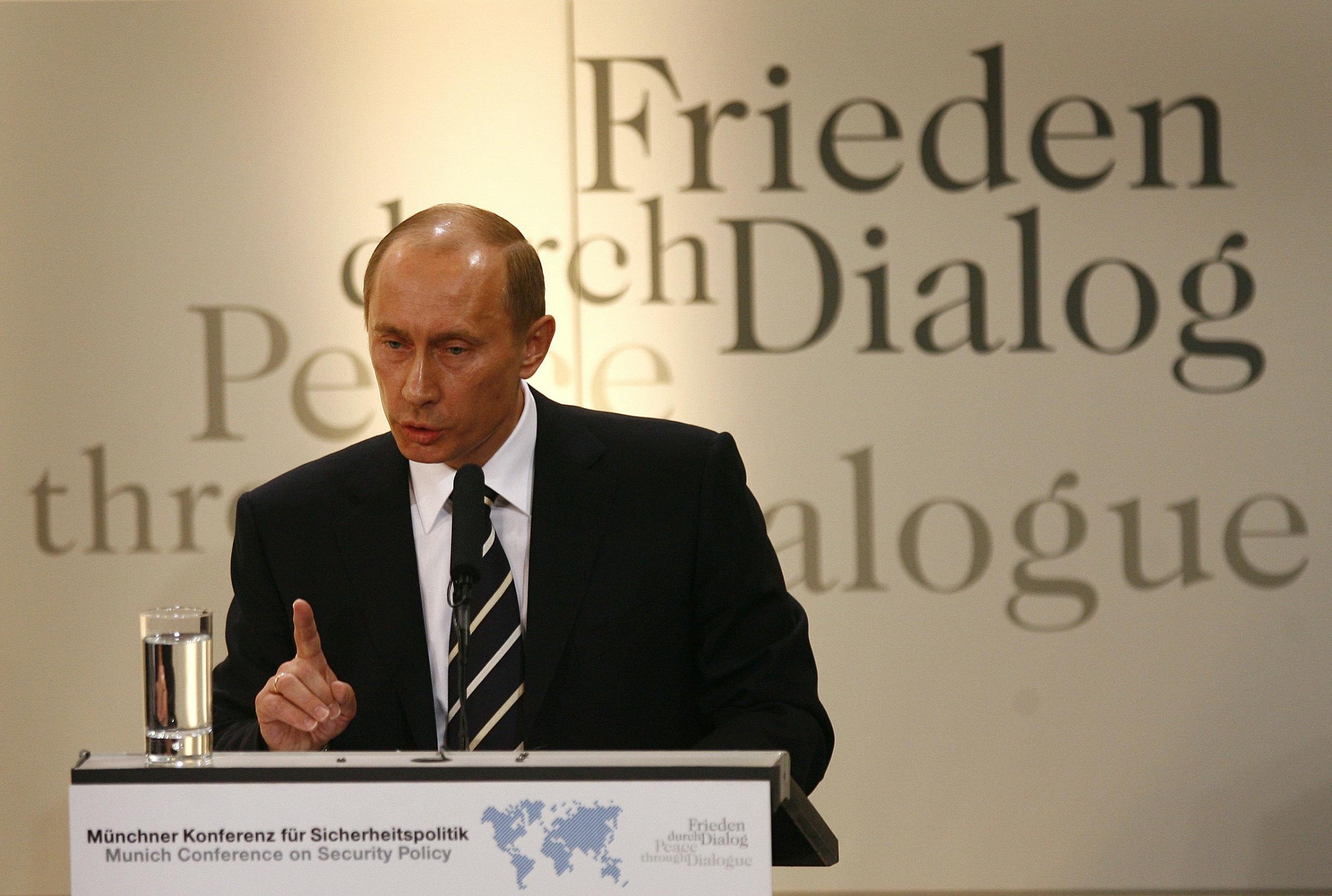 De Russische president Vladimir Poetin tijdens de veiligheidsconferentie in München in 2007.