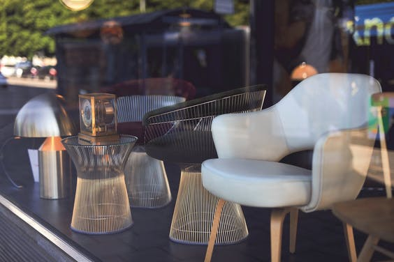 Van Hooydonk struint graag designmeubel-winkels af, zoals Koton, Barer Strasse 38.