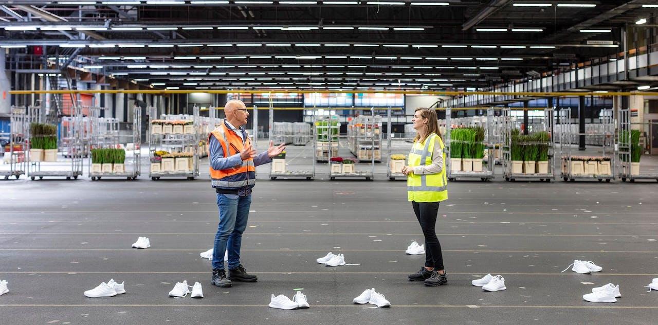 Erik Neijzen, HR-programmanager vitaliteit bij Royal FloraHolland en Myrthe Heijnen, adviseur bedrijfszorg bij Menzis in gesprek over vitaliteit.