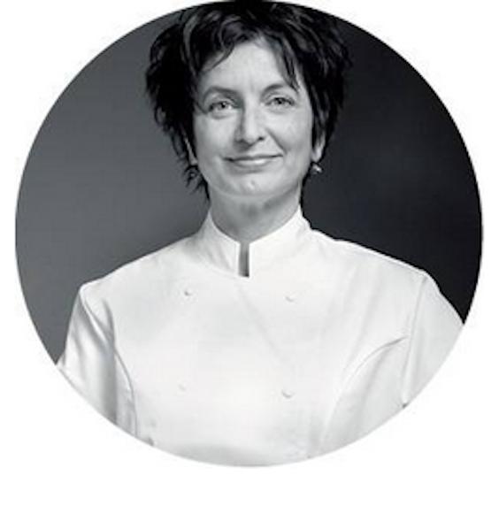 Hilary Akers is kok, vinoloog en historicus. Voor FD Persoonlijk schrijft zij de cursus: hoe word ik restaurantcriticus?