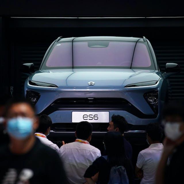 In het kielzog van Tesla exploderen de koersen van Chinese autoproducenten
