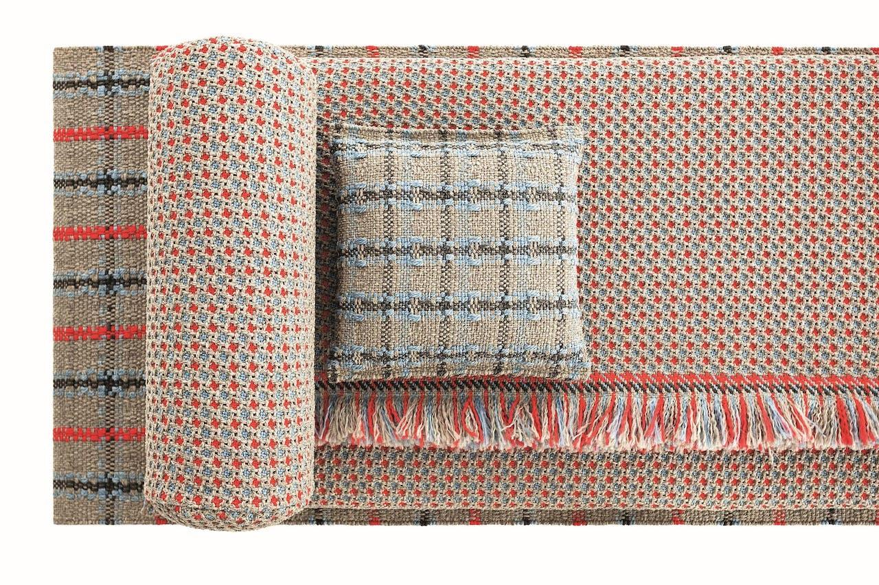Bolkussen, matras en tapijt.