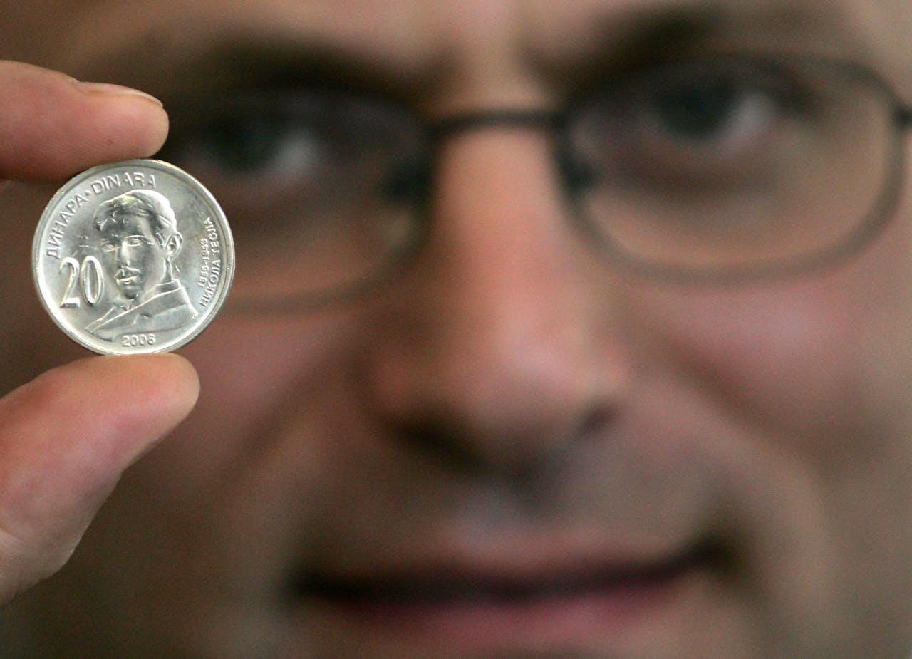 De Servische centrale bank bracht in 2006 een munt van twintig dinar in circulatie, met daarop de beeltenis van Nikola Tesla.