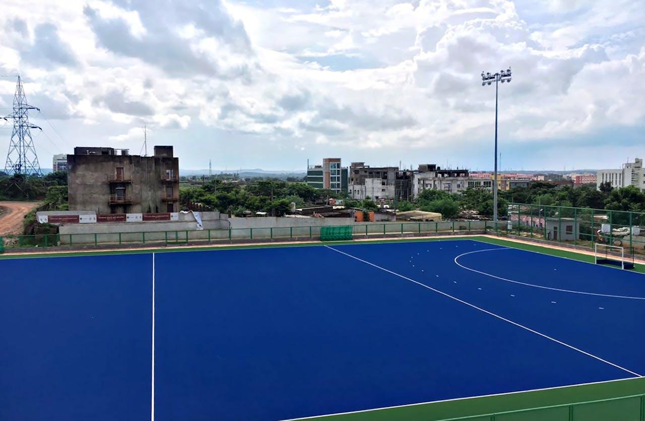 In de aanloop naar WK Hockey legde Edel Grass een kunstgrasveld aan in de Indiase deelstaat Odisha.
