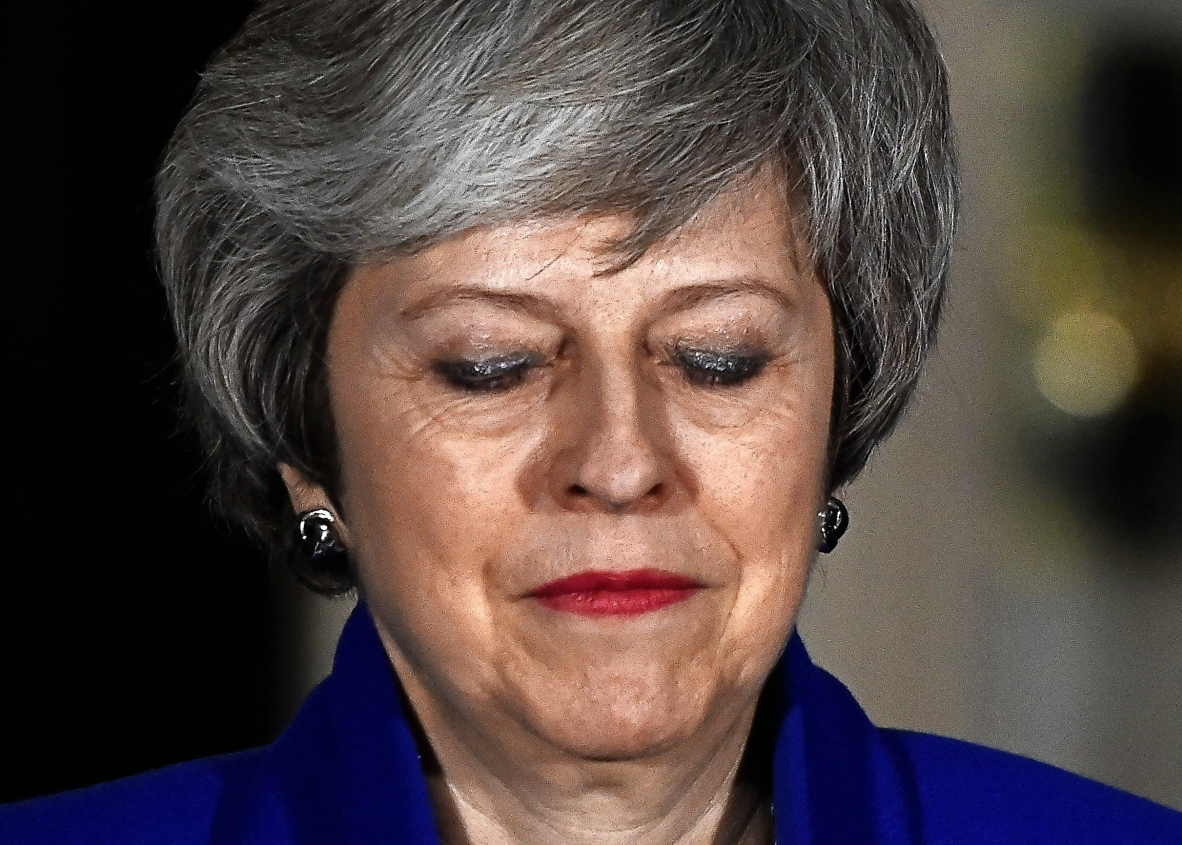 Britain's Prime Minister Theresa May makes a statement following winning a confidence vote, after Parliament rejected her Brexit deal, outside 10 Downing Street in London, Britain, January 16, 2019. REUTERS/Clodagh Kilcoyne - RC1AFD1983B0