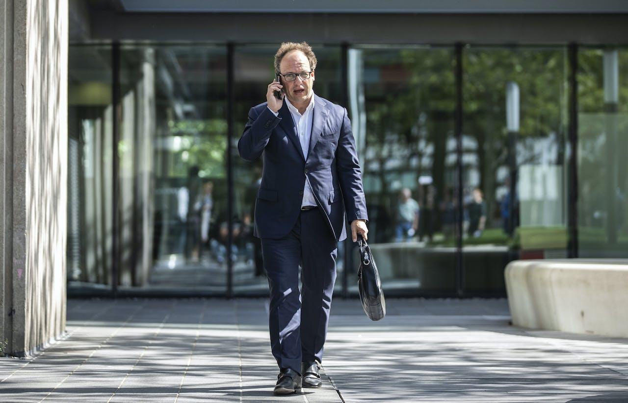 Zowel de coalitie als de oppositie wil dat minister Wouter Koolmees van Sociale Zaken en Werkgelegenheid op korte termijn met scenario's komt hoe kortingen voorkomen kunnen worden.